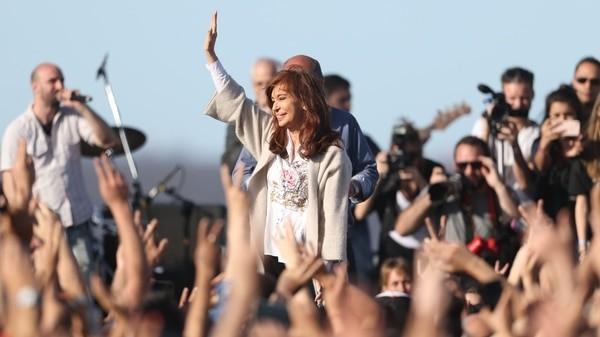 Piden embargar más de 180 bienes de CFK, Julio De Vido y otros procesados en la causa de la obra pública