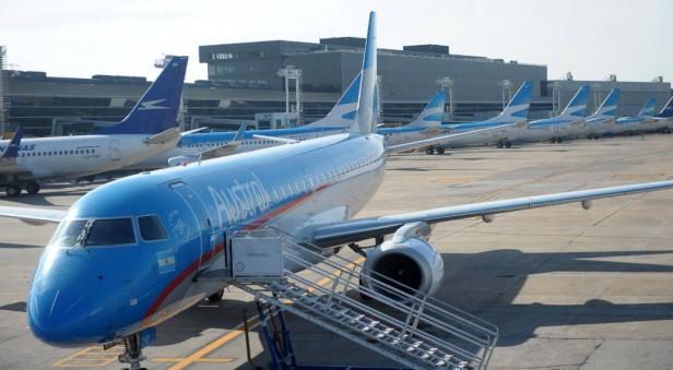 Aeronáuticos amenazan con medidas de fuerza el fin de semana largo