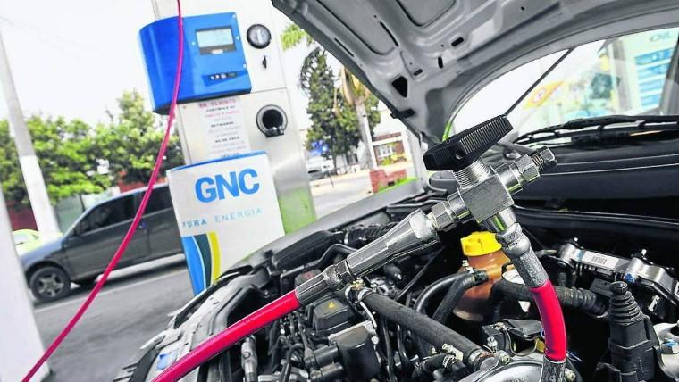 Con el aumento de las naftas, saltó el precio del GNC