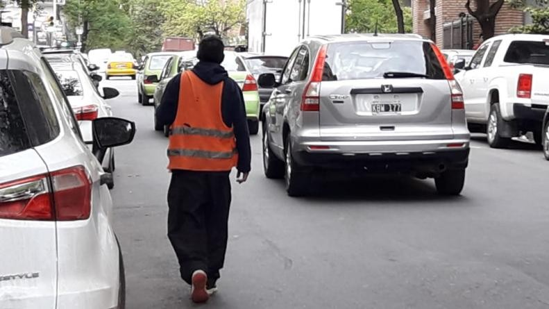 Un conductor apuñaló a un naranjita en Nueva Córdoba