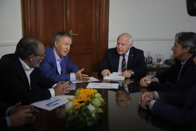 Firman convenio para realizar el acueducto Santa Fe-Córdoba