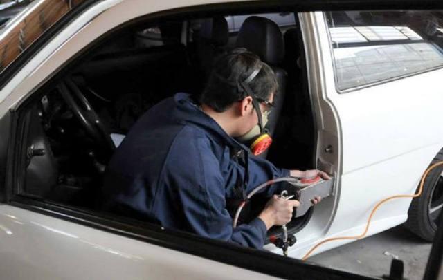 Suspendieron el grabado de autopartes en Córdoba