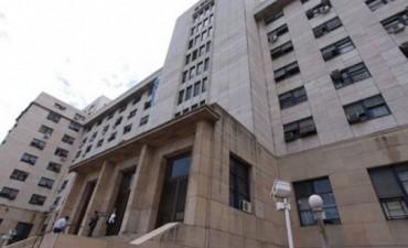 Anulan el procesamiento de una veintena de ex funcionarios acusados de cobrar sobresueldos