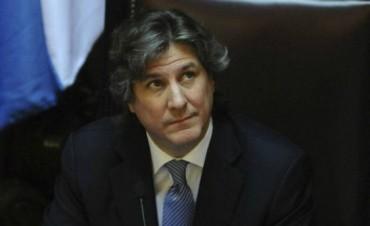 Pino acusó a Boudou por negociar con buitres ligados al petróleo en Malvinas