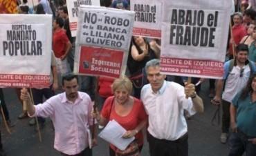 El FIT vuelve hoy a marchar para exigir la apertura de las urnas observadas