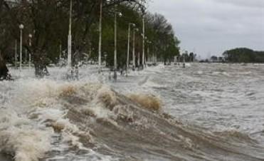 Hay evacuados por la sudestada del Río de la Plata