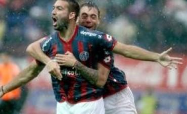 San Lorenzo sacó pecho ante Boca bajo la lluvia
