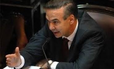 El jefe de la bancada oficialista del Senado, Pichetto, pide que cambien ley Argentina Digital para no beneficiar a Telefónica