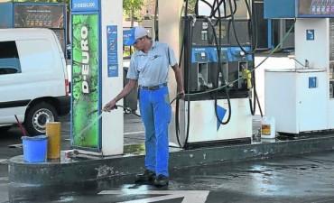 Podría faltar combustible por paro en YPF