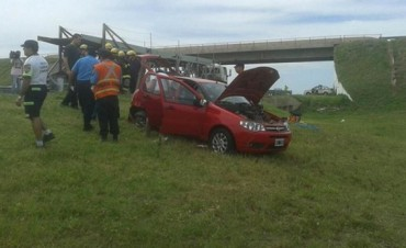 Murieron dos hinchas de Talleres por choque en la autopista Córdoba-Rosario