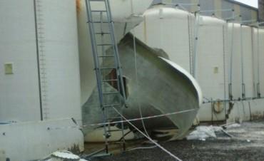 Susto en Los Boulevares por un tanque de cloro que colapsó