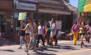 Marcha de la Gorra en las calles céntricas de la Villa