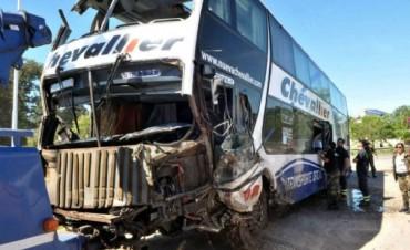 Son seis muertos y 22 heridos por el choque en la ruta 7