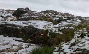 Por granizo cortaron el camino de las Altas Cumbres