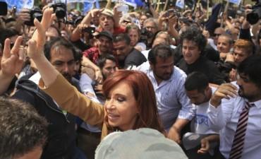 CFK no apeló y pidió ir a juicio en la causa de dólar futuro