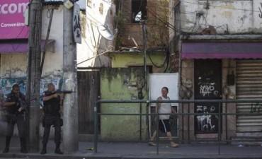 Enfrentamiento entre Policía y narcos dejó 15 muertos en Rio de Janeiro