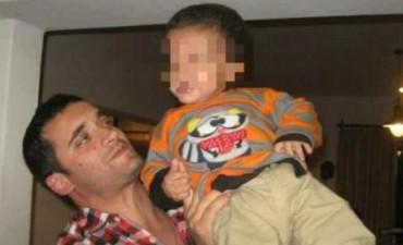 Una semana después de la muerte de su hijo, a juicio por violencia de género