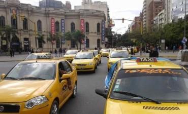 Los choferes harán un paro y habrá taxi gratis