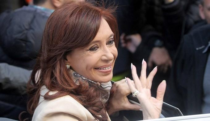 Cristina dejó sus huellas digitales en Comodoro Py