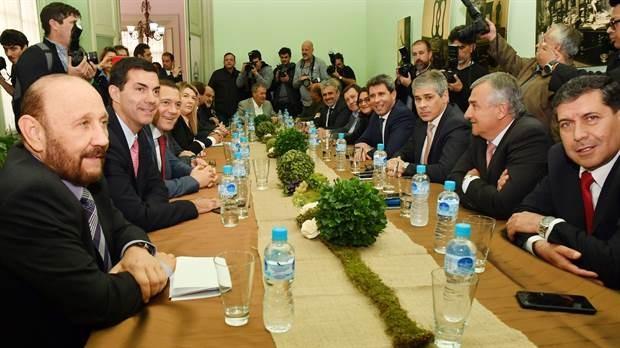 La reforma impositiva tensa la negociación con los gobernadores