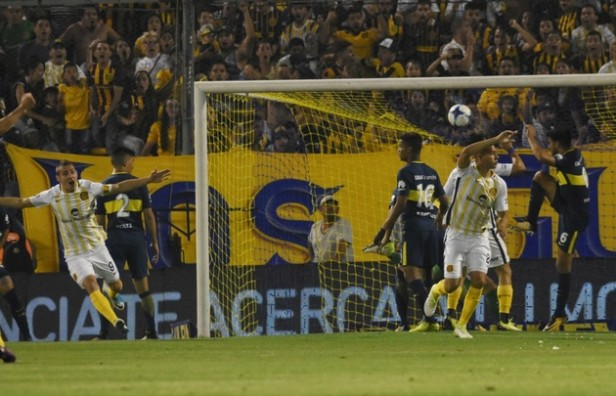 Central golpeó a Boca en el inicio y lo aguantó hasta el final