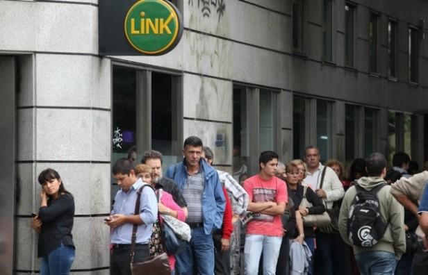 No habrá bancos ni actividad bursátil en el país