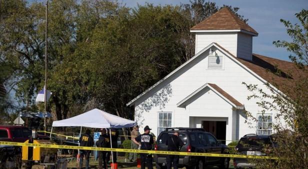 Más de 20 muertos en un tiroteo en una iglesia de Texas