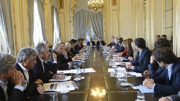 El presidente y los gobernadores se reunirán para la firma de los primeros acuerdos