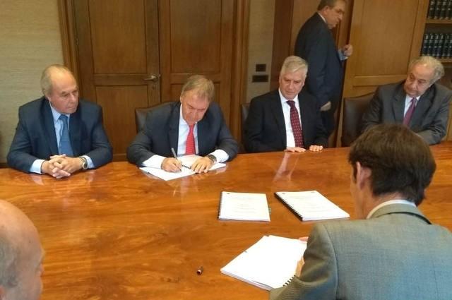 Schiaretti logró € 100 millones para financiar obras