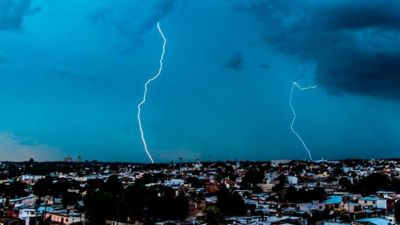 Sigue vigente la alerta por tormentas fuertes para Córdoba