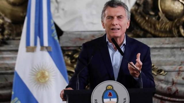 Macri firmó el decreto del bono de 5 mil pesos