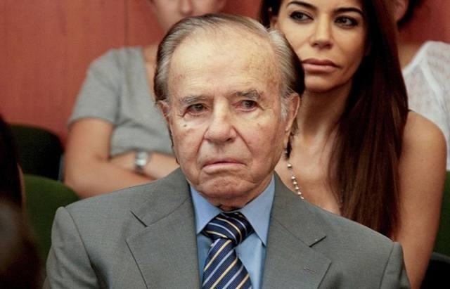 Autorizan a Carlos Menem a viajar a Chile para ver a su hijo