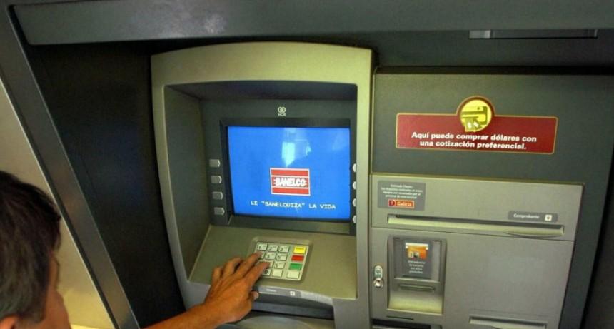 Habilitan a los bancos a abrir sucursales en comercios