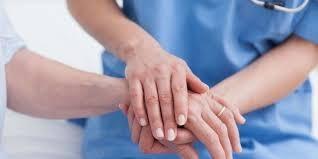 Día de La enfermería. Protagonistas de una dolorosa historia que asumen con valor