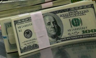 Para las vacaciones de invierno, el dólar turista superaría los 10 pesos