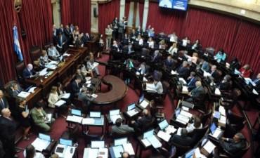 El Senado trata en comisión la suba del impuesto a bienes de lujo y el pliego de Lorenzino
