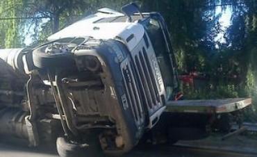 Choque de camiones deja dos heridos graves en Traslasierra