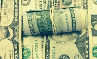 El dólar paralelo pegó un salto y volvió a superar los $13