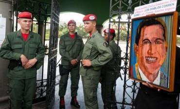 Elecciones e incidentes en Venezuela: destrucción de votos y una amenaza con arma de fuego