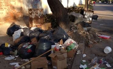 Surrbac levantó la protesta, pero no levantan la basura