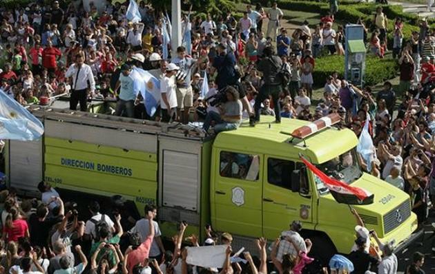 Federico Delbonis, fue recibido en su ciudad natal, Azul, como un héroe