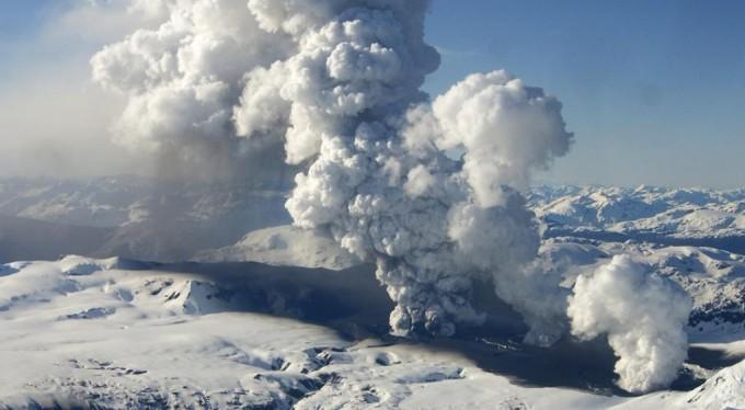 Alerta amarilla en Santa Cruz y Chile por el volcán Hudson
