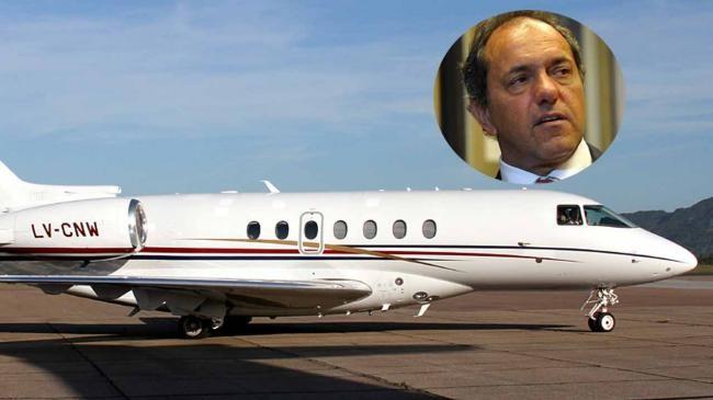 Acusan a Scioli de pagar con fondos públicos un viaje que hizo a Cuba durante la campaña