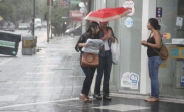 Alerta por tormentas fuertes en el centro del país