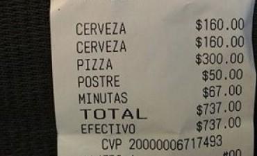 Escracharon con un ticket a una pizzería de Carlos Paz