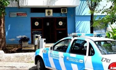 Por la pólemica del subcomisario, allanan a policías