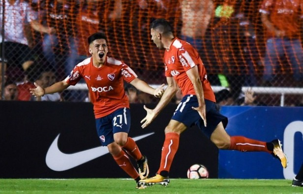 Independiente venció a Flamengo en la primer final de copa
