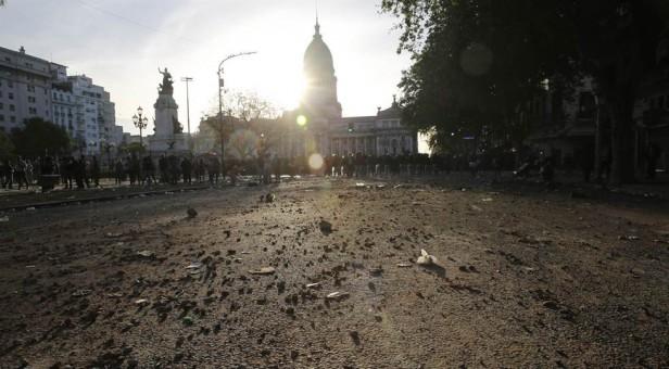 El gobierno porteño quiere que las organizaciones sociales paguen por los destrozos en el Congreso