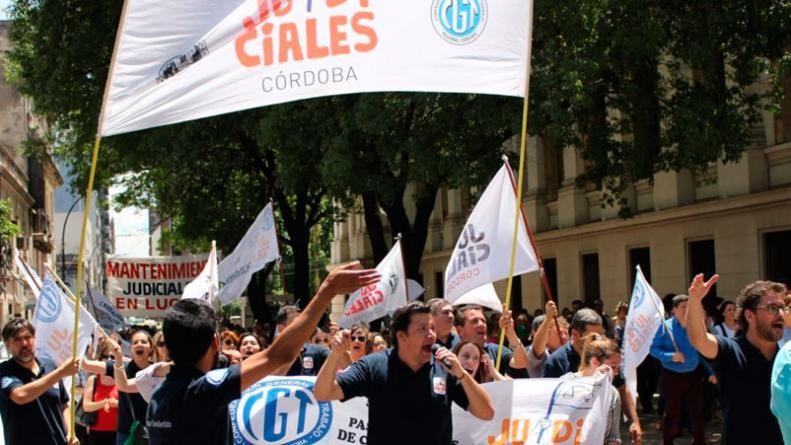 Empleados judiciales de Córdoba arrancan un paro por 36 horas