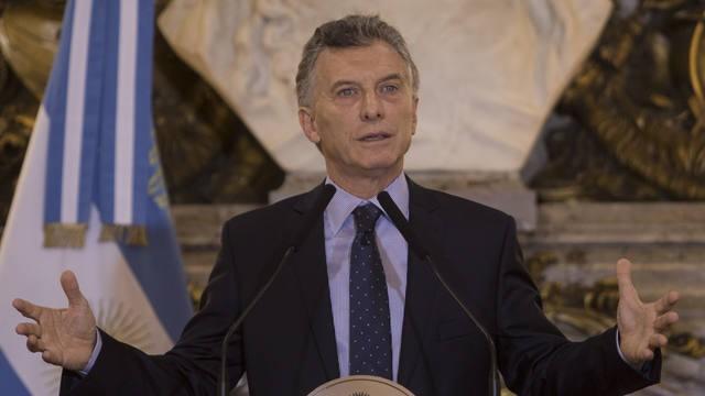 Macri frena la caída de imagen y exhibe una recuperación